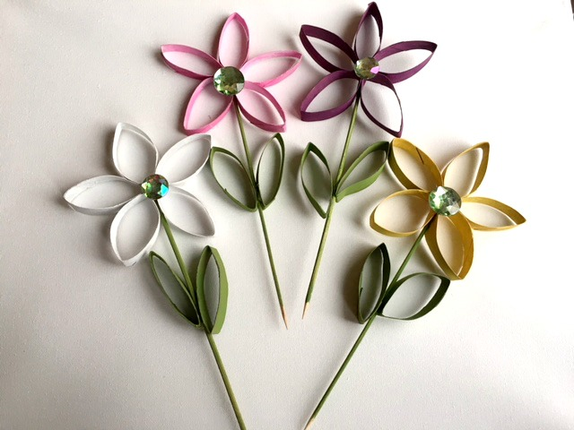 Toilet paper crafts easy daisy flower my bright ideas making spring crafts from toilet paper rolls painted and glued for daisy flowers mybrightideasblog mightylinksfo Choice Image