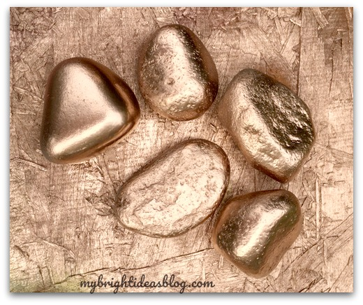 Rose Gold Spray Painted Stone Heart Gift Idea - My Bright Ideas